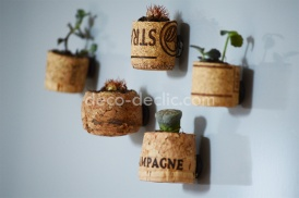 Idée déco: utiliser des bouchons de liège pour réaliser des aimants pour décorer le frigo