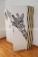 idée création: customiser une armoire Ikea à partir de papier peint et de dessin