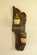 Idée déco originale avec cette étagère réalisée à partir d'écorce d'arbre et de bois de palette