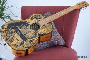 Customisez votre instrument de musique à l'aide de marqueur et de papier calque si nécessaire