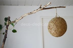 Créer une lampe de salon sur pieds en béton à partir d'une branche d'arbre