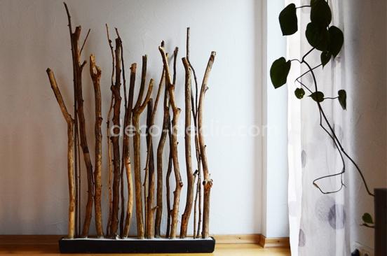 Idée décoration: un porte manteau réalisé à partir de branches d'arbre