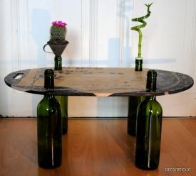 Une table Feng Shui à partir de bouteille de verre et d'une planche de bois facile à réaliser