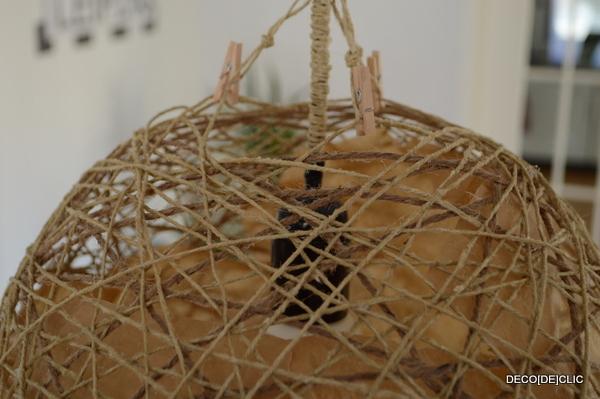 Réaliser une lampe de salon sur pied design avec Décodeclic