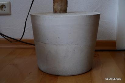 Réalisez un pied en ciment pour votre lampe de salon avec Décodeclic